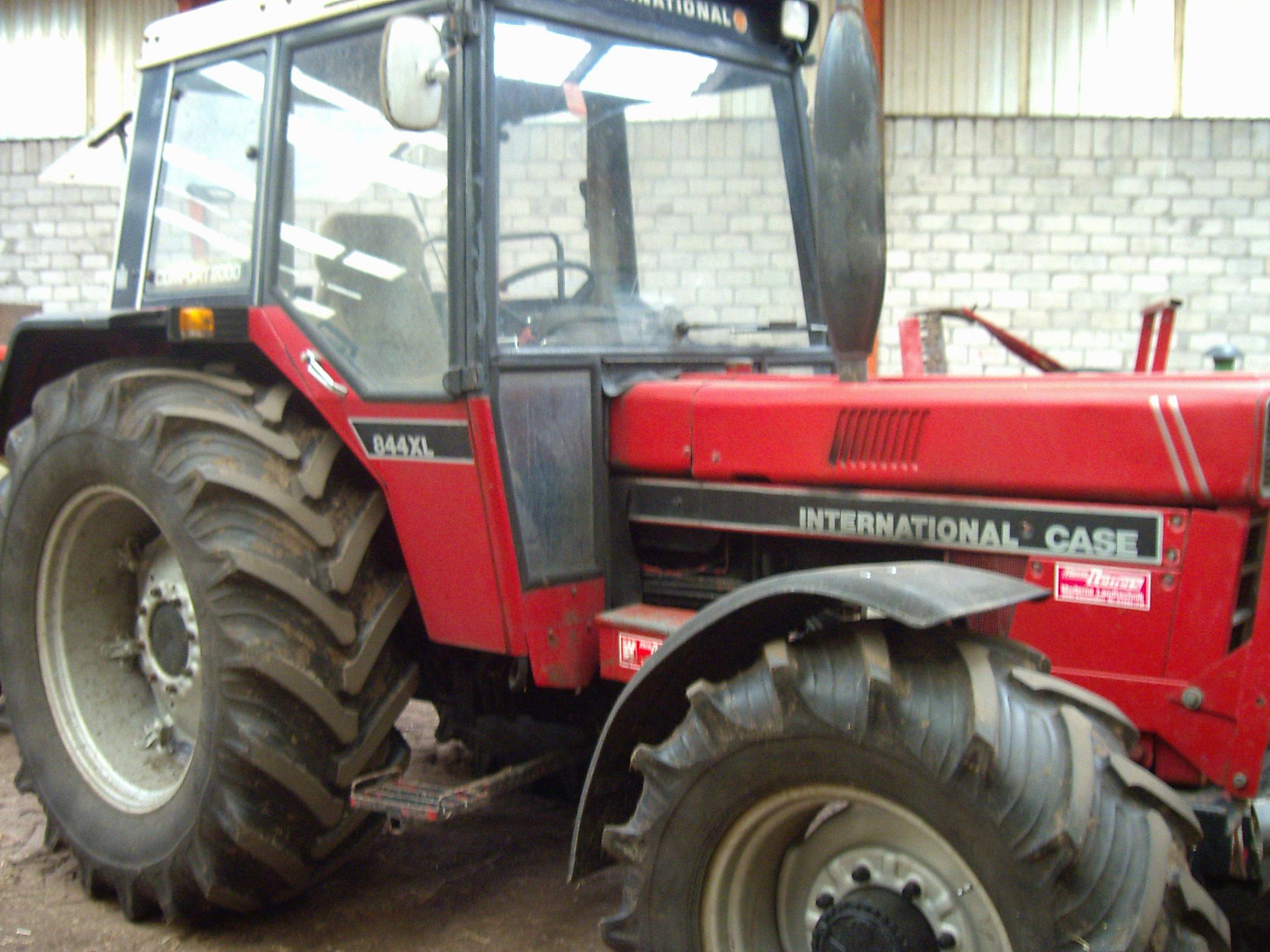 traktor case ihc 844s traktoren landwirtschaftl fahrzeuge. Black Bedroom Furniture Sets. Home Design Ideas