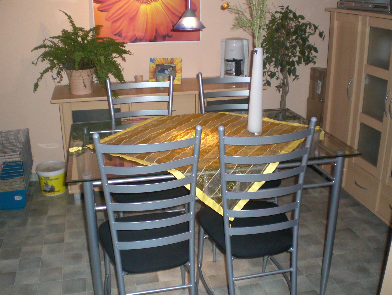 glastisch mit 4 st hlen speisezimmer e ecke. Black Bedroom Furniture Sets. Home Design Ideas